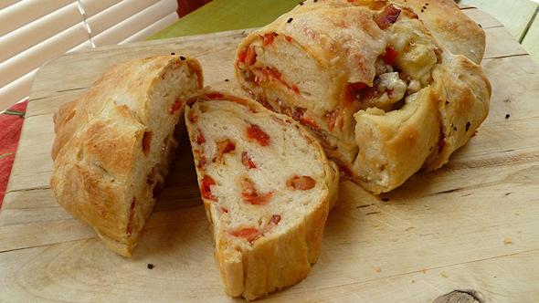 bacon blue cheese tomato bread recipe
