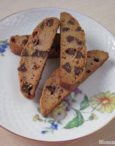 pomegranate seed and dark chocolate biscotti
