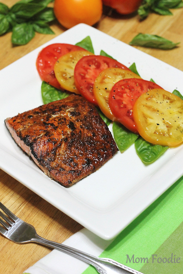 easy salmon recipe - spice rubbed salmon