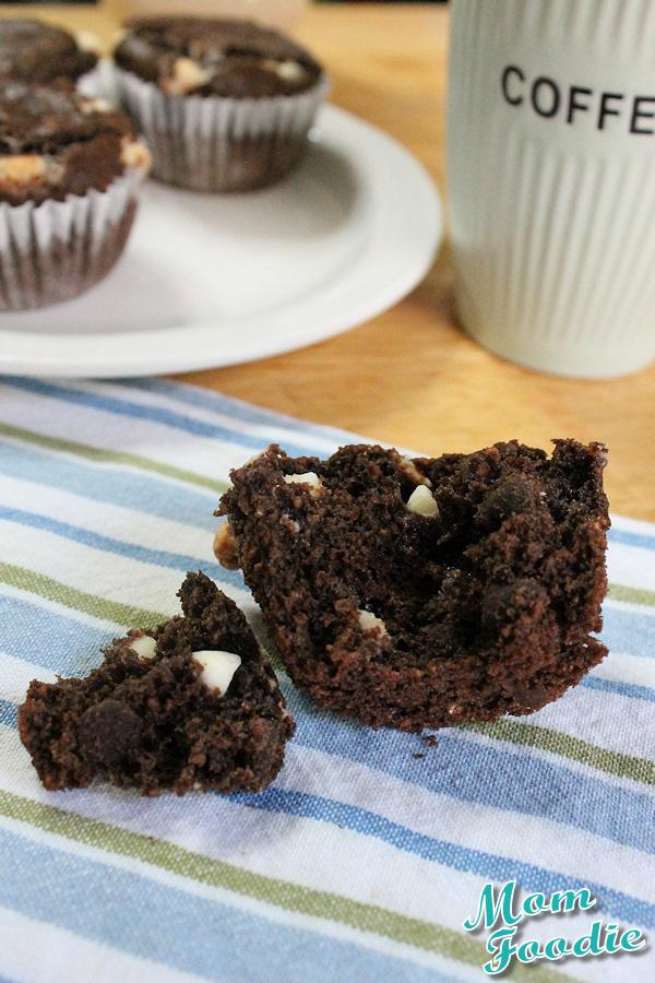 chocolate oatmeal muffins