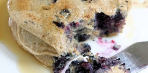 blueberry-oatmeal pancakes feature