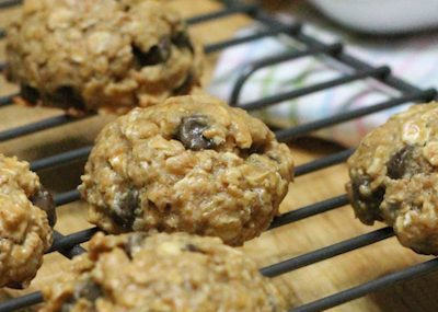 Peanut Butter-Oatmeal Chocolate Chip Cookies Recipe (gluten-free)