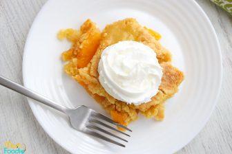 peach cobbler dump cake