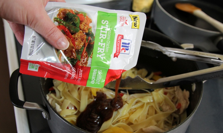 Asian Noodles with Chicken preparing