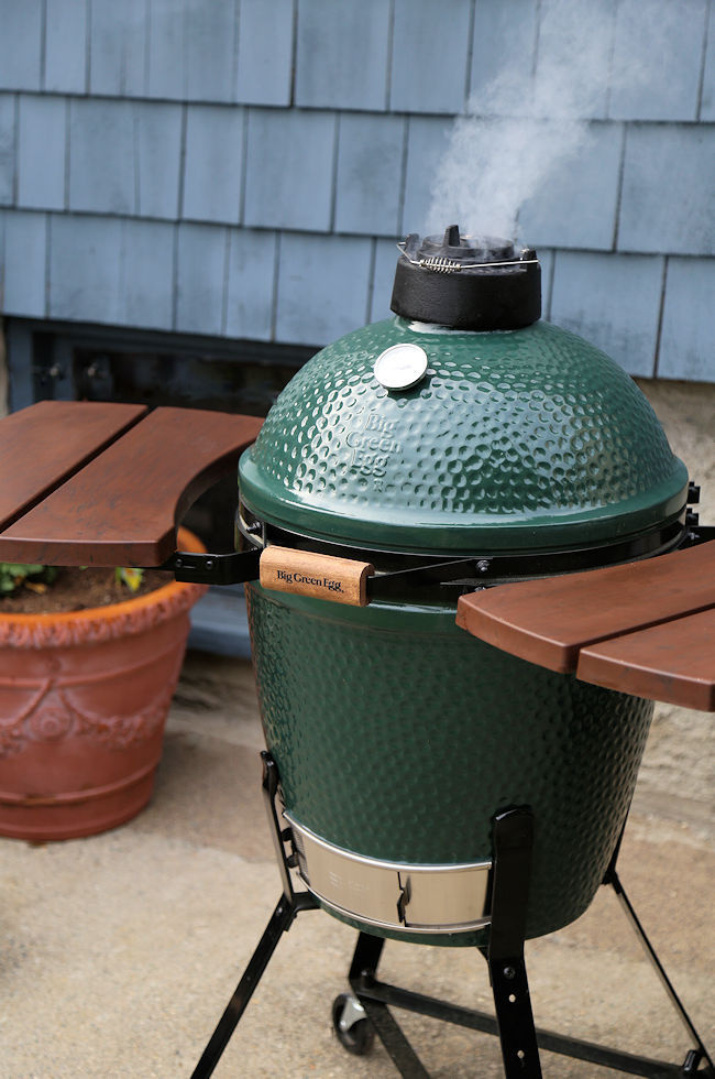 Big Green Egg Grill Smoker