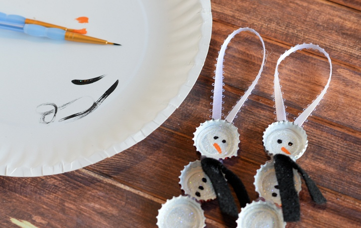 Bottle Cap Snowman Ornament 4