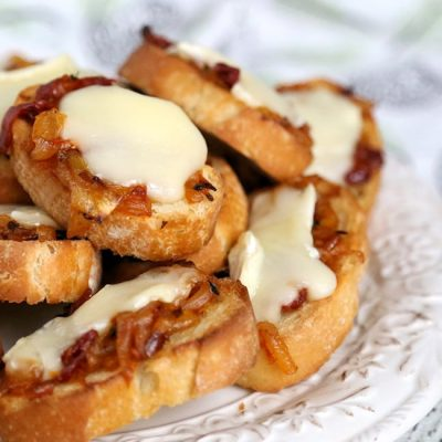 Buttery Caramelized Onion-Tomato Jam Crostini with Brie : Appetizer Recipe