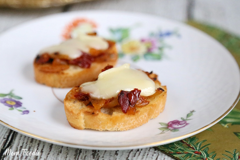 Caramelized Onion Tomato Jam Crostini with Brie Appetizer Recipe