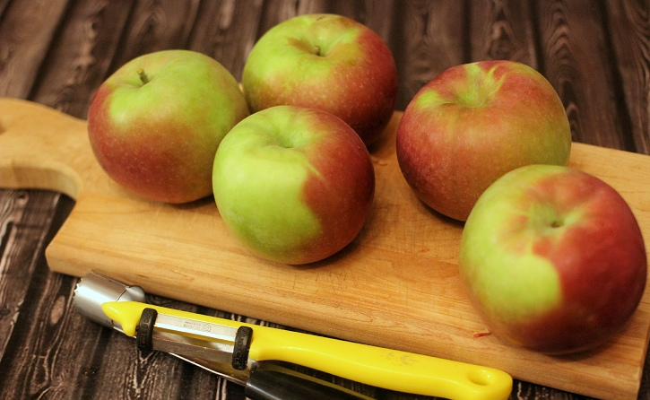Canning Apple Pie Filling - apples