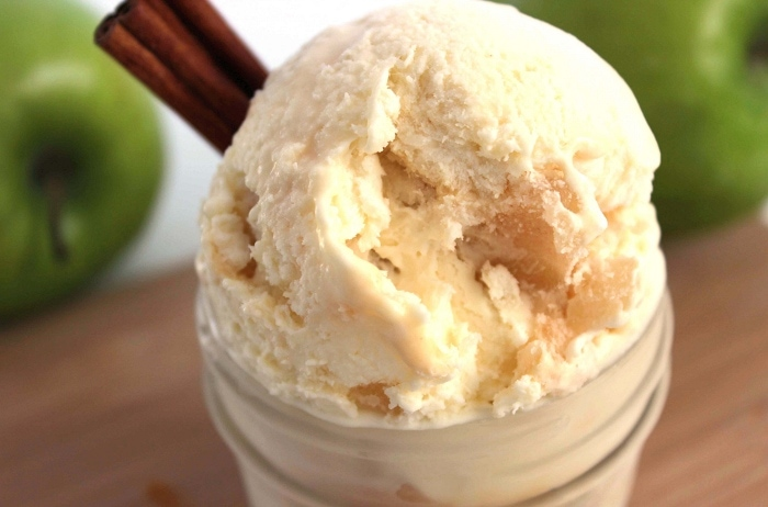 Caramel Apple Ice Cream: Easy No Churn Recipe
