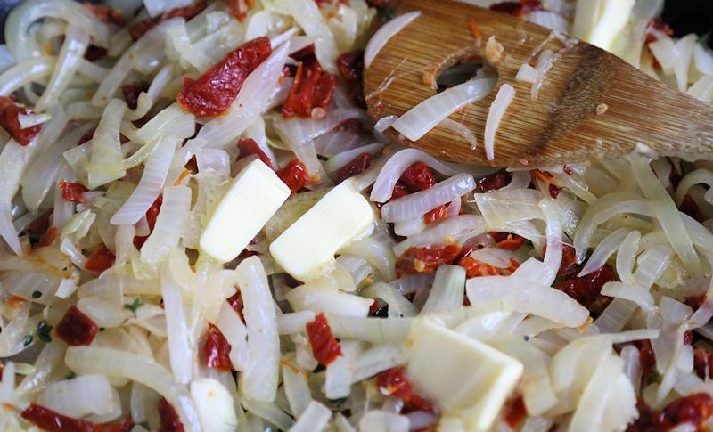 tomato onion jam