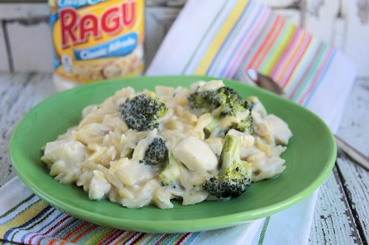 Chicken and Broccoli Alfredo Orzo: One Pot Recipe