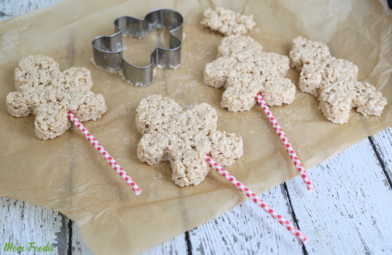 Gingerbread Boy Rice Krispies Treats for Christmas