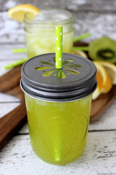 Copycat Applebee's Kiwi Lemonade Recipe