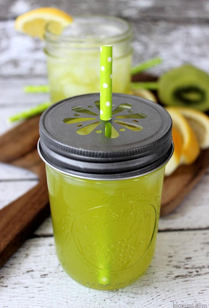 Copycat Applebee's Kiwi Lemonade Recipe