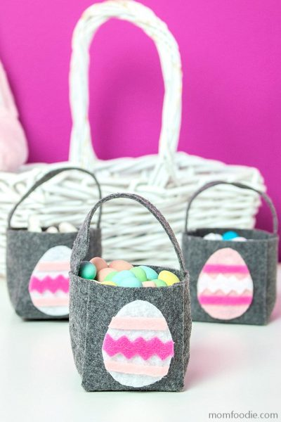 DIY Easter Baskets – Mini Felt Treat Baskets