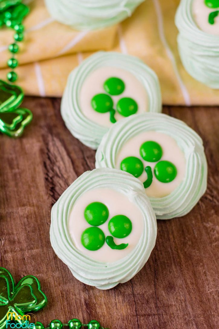 St Patrick's Day Meringue cookies