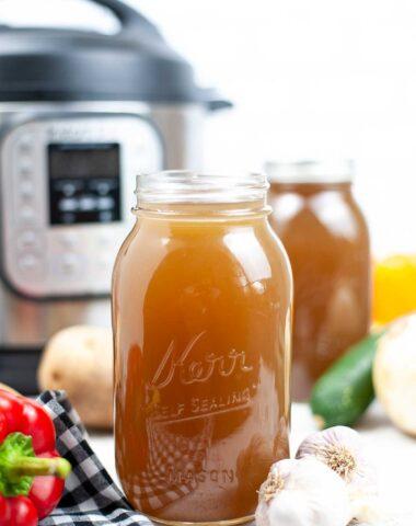 vegetable broth Instant Pot recipe in jars.