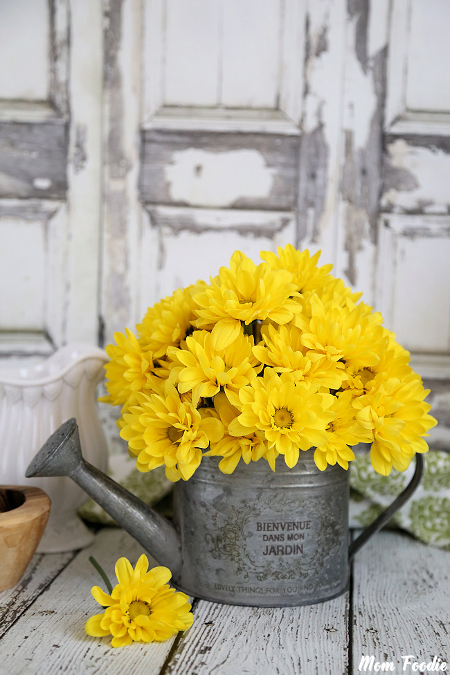 21 Fresh Cut Spring Flower Arrangments and Bouquets - A Trendy Blog for Moms - Mom Blogger