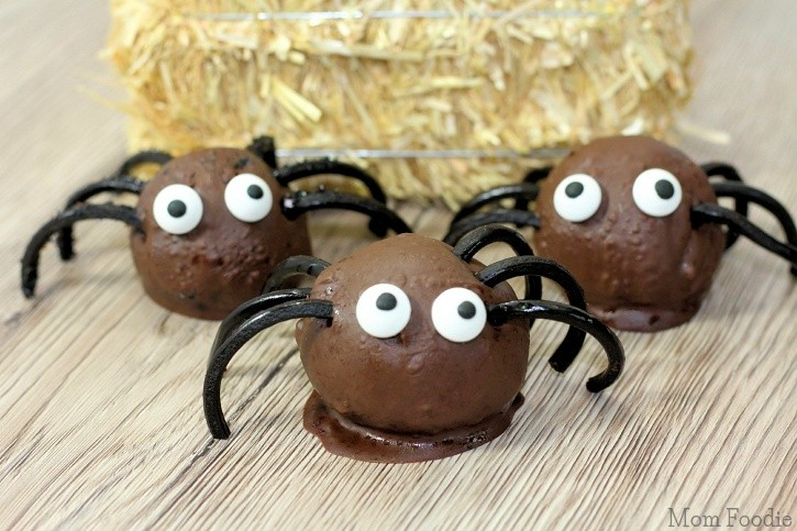 Spider Cake Balls : Halloween Party Food