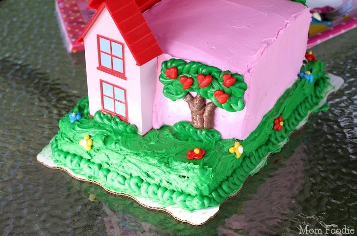 Hello Kitty Cake - back