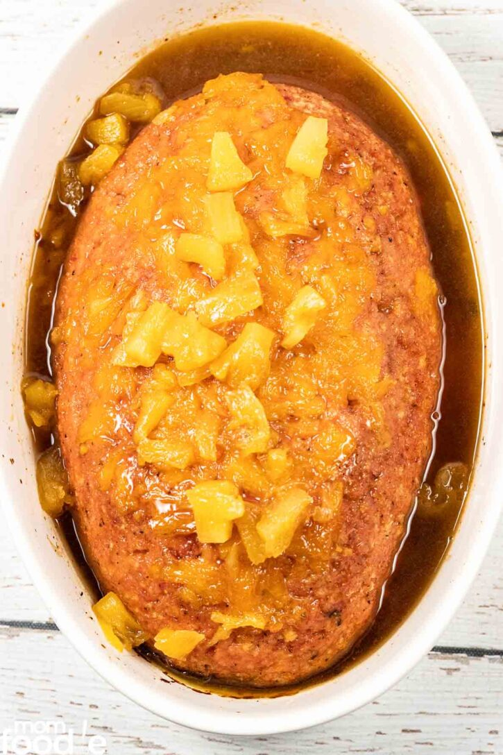 Baked ham loaf with pineapple glaze