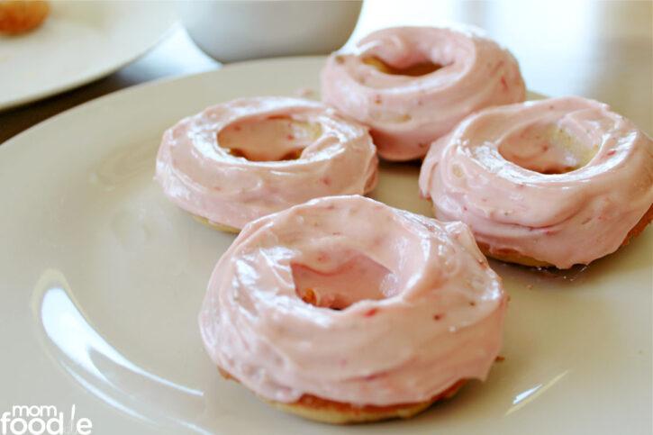strawberry glaze for donuts