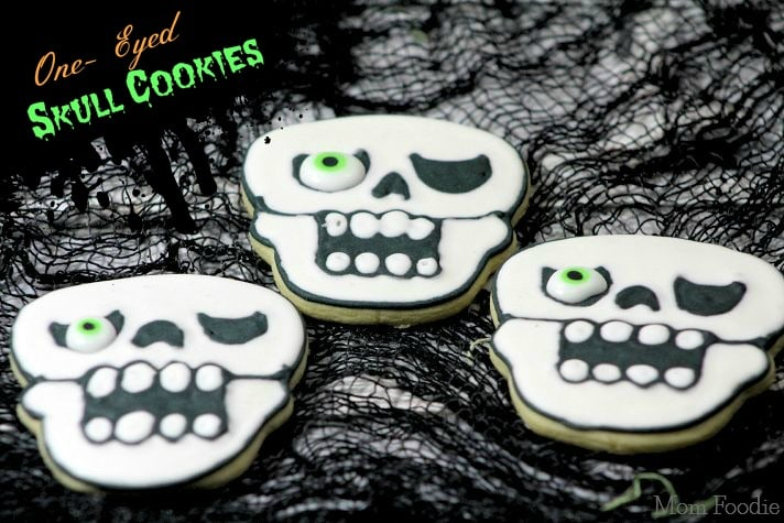 One-Eyed Skull Cookies : Halloween Party Food