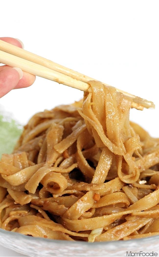 Peanut Butter Lo Mein Recipe (Kid Favorite) - Mom Foodie