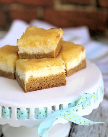 Pineapple Cheesecake Blondies Recipe