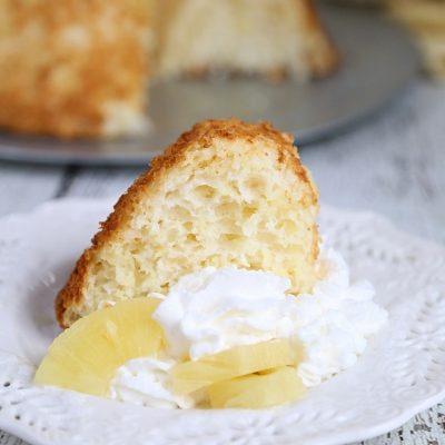 Crushed Pineapple Dump Cake Recipe