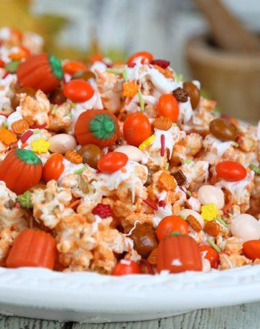 Pumpkin Spice Popcorn recipe with white chocolate