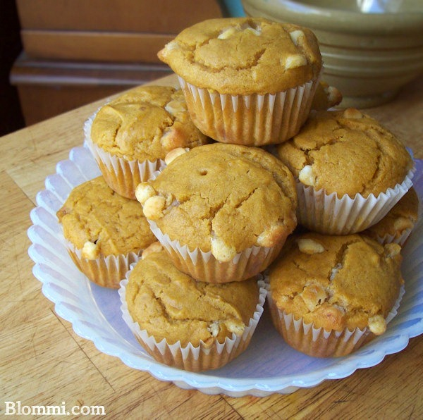 Pumpkin White Chocolate muffins