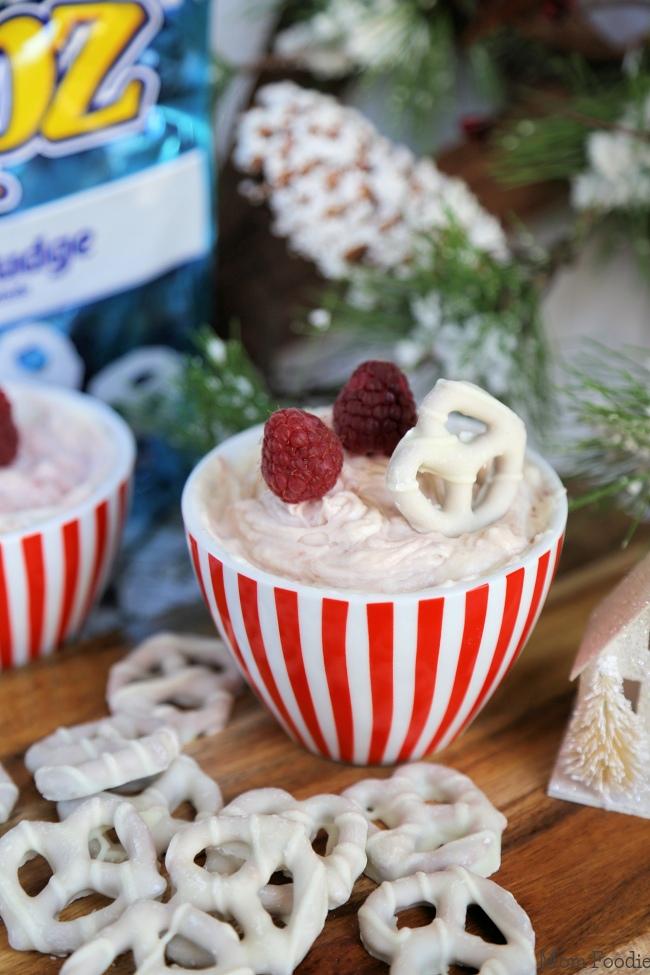 Raspberry Cheesecake Dip & Flipz