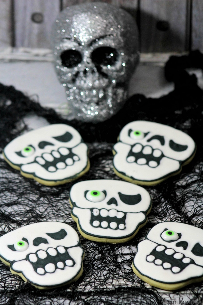 One-Eye Skull Cookies