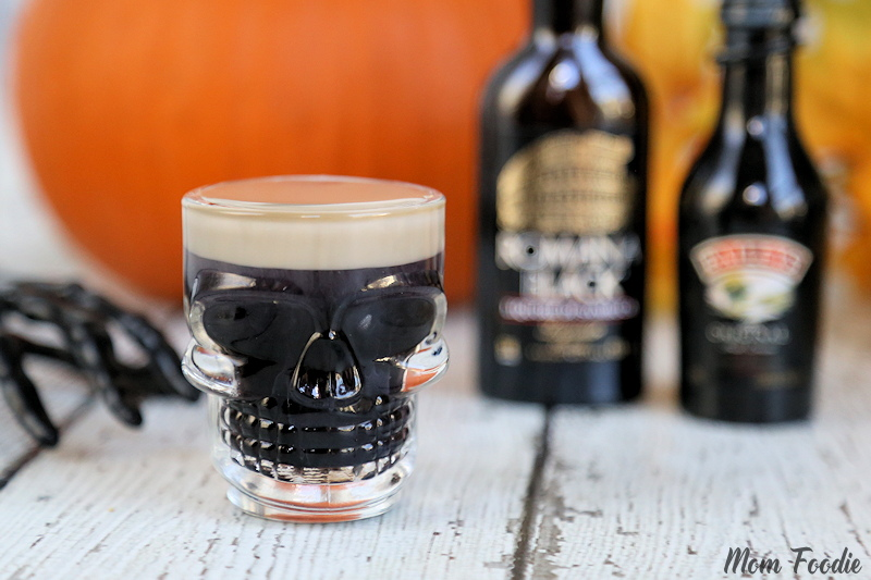 Easy Halloween Shots : Slippery Zombie Brains