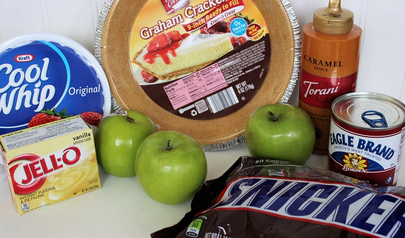 ingredients for Snickers Caramel Apple Pie
