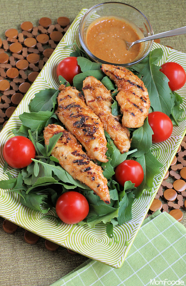 Spicy Grilled Chicken Salad : Thai Peanut Sauce dressing