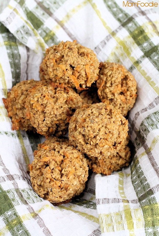 Sweet Potato-Walnut Oatmeal Breakfast Bombs