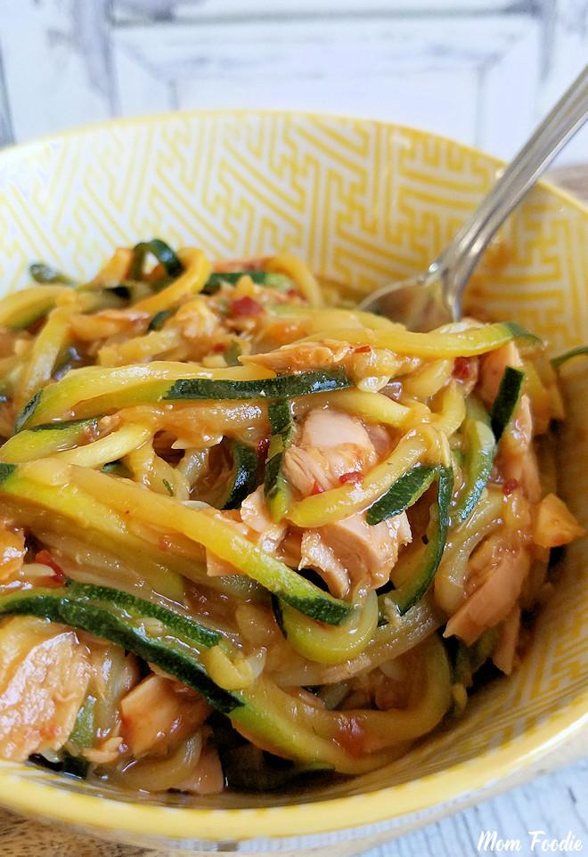 Tuna & Zucchini Noodles in Spicy Peanut Sauce