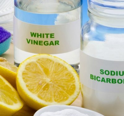 12 Ways to Use White Vinegar for Cleaning