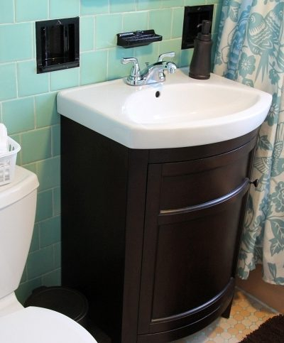 Bathroom Restyling: Subtle Changes that Work