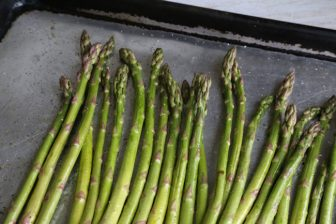 asparagus oiled for baking