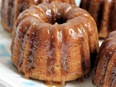 Baby Banana Cakes (Mini-Bundts) with Vanilla Caramel Glaze