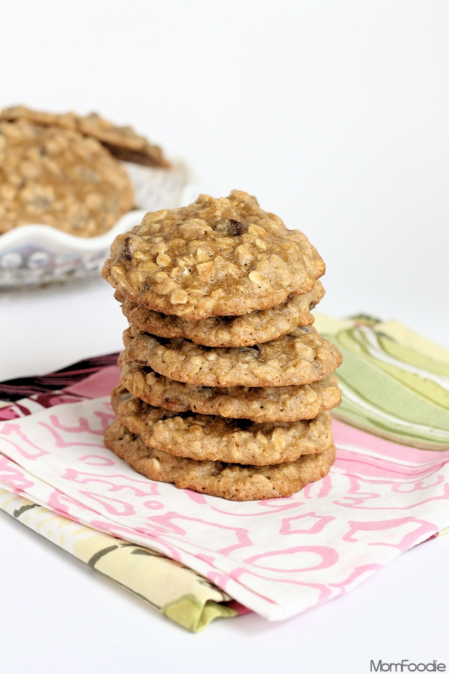 Banana Oatmeal Chocolate Chip Cookies Recipe - Mom Foodie