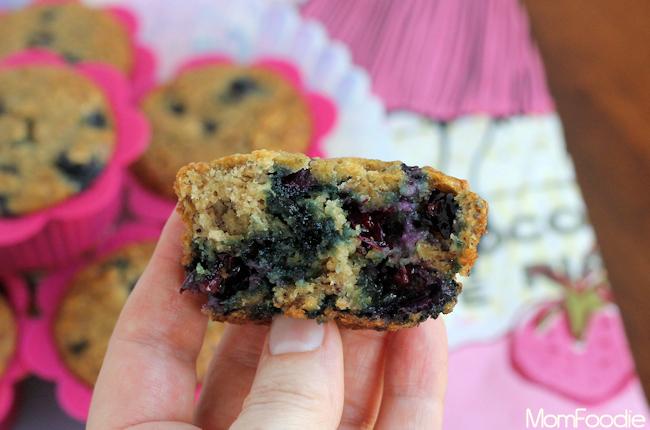 blueberry banana oatmeal muffins