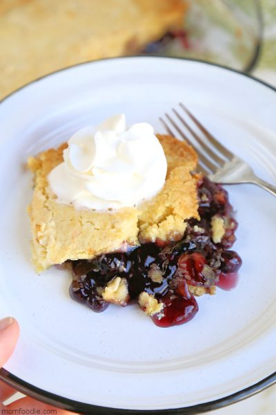 Blueberry Dump Cake – Easy, Just 3 Ingredients, YUMMY!