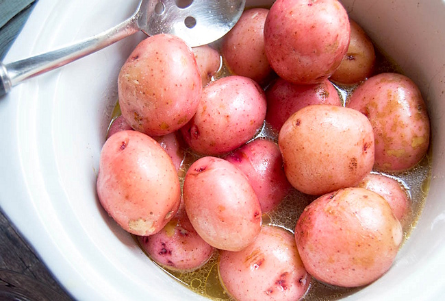 red potatoes in a crockpot