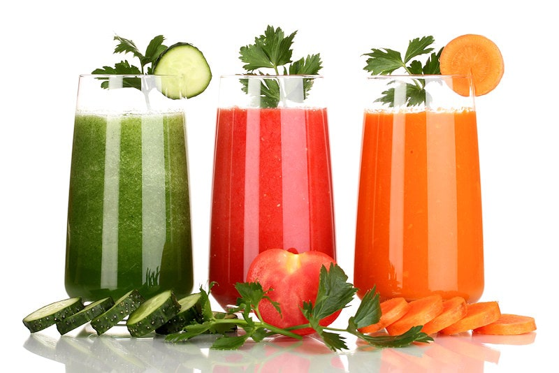 difference between juicing and blending