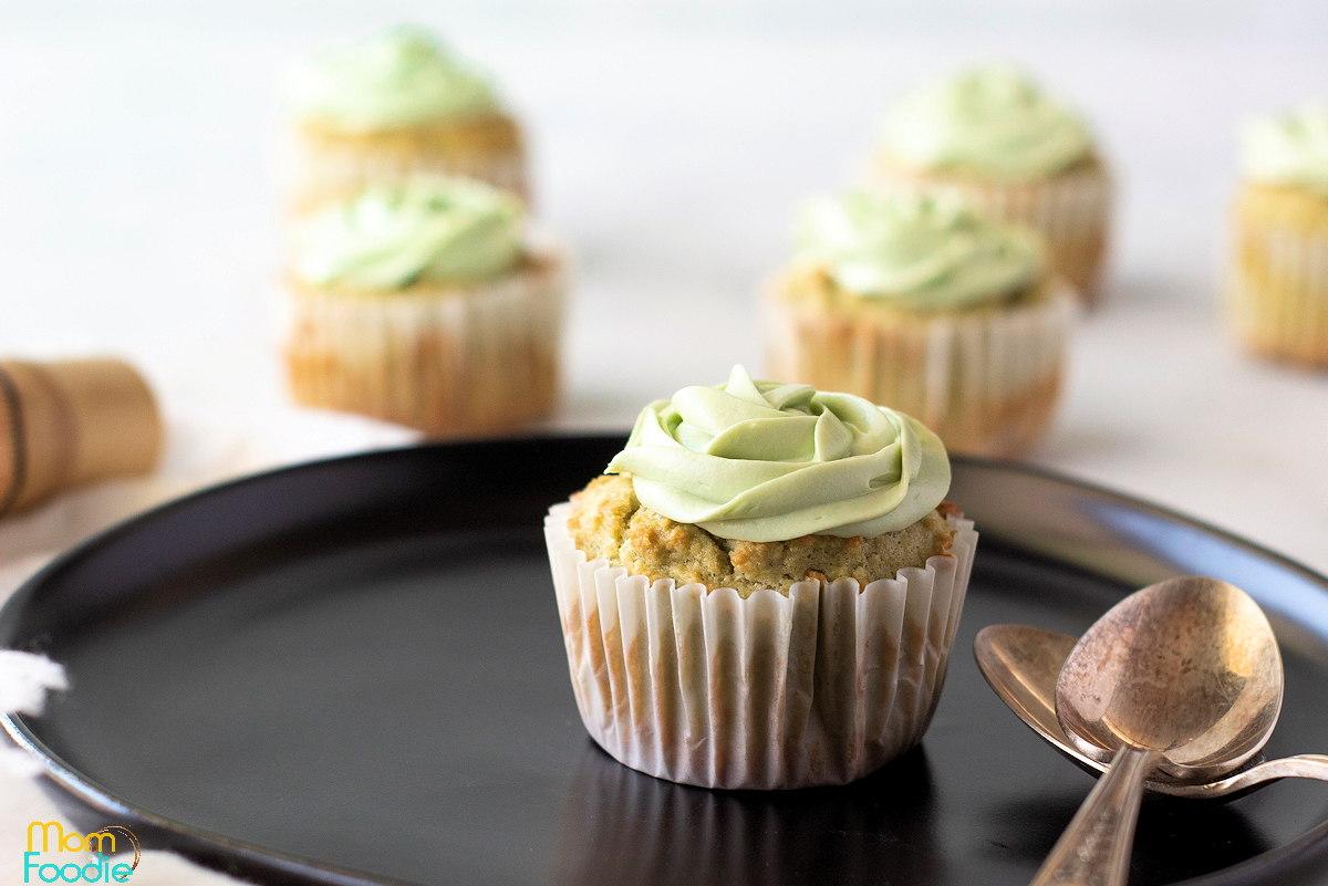 keto green tea matcha cupcakes